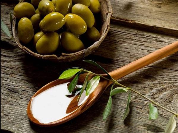 Làm thế nào để phục hồi tóc hư tổn bằng dầu Oliu nhanh nhất? 2