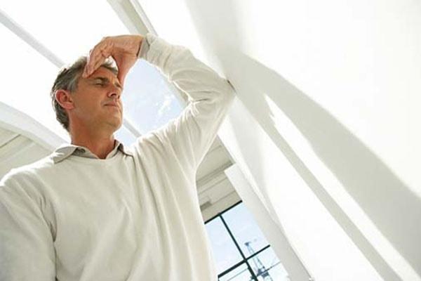 Tê đầu, mặt và 2 tay là biểu hiện của bệnh gì? 3