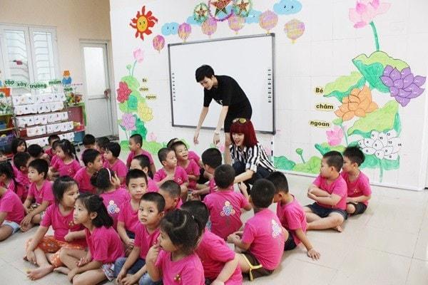 Trường phải có 3 nhóm trẻ trở lên với ít nhất 50 trẻ
