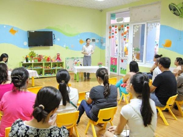 Nghệ thuật ứng xử giữa giáo viên và phụ huynh trẻ mầm non