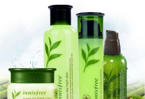 Với da dầu, nên sử dụng các sản phẩm chăm sóc tóc có chiết xuất từ trà xanh