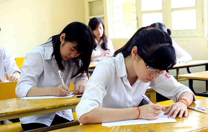 Gia sư sinh viên hạn chế về kiến thức chuyên môn