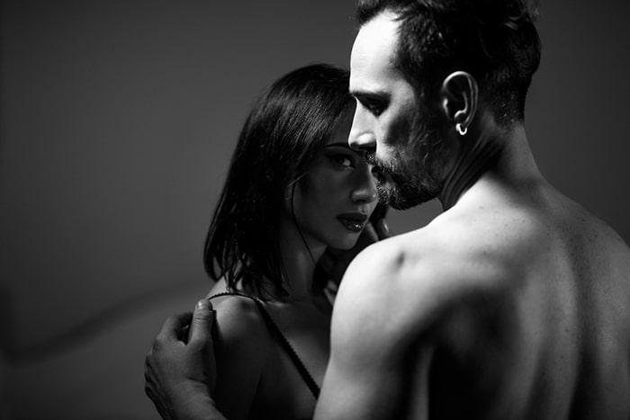 Phụ nữ phải tạo được sự duyên dáng kèm theo nhiều điều bí ẩn đến đàn ông khám phá