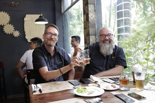 Bia thủ công cầu nối giao lưu văn hóa